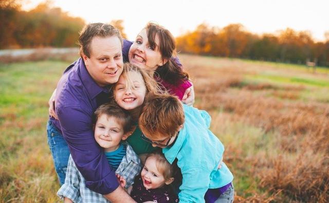 Как получить удостоверение многодетной семьи: где получить через госуслуги и какие документы нужны.