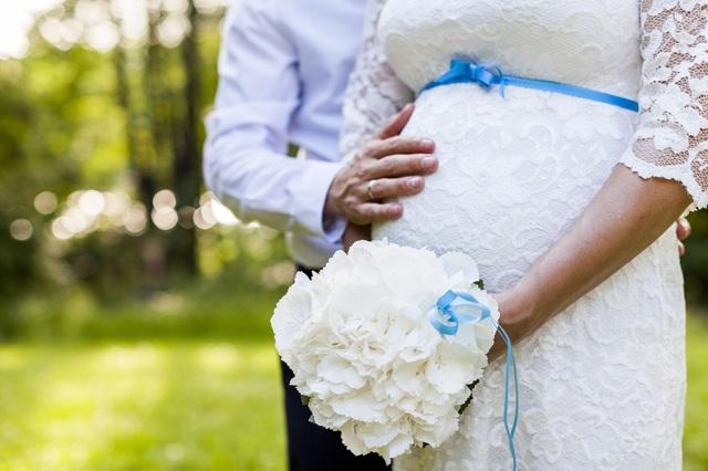 Регистрация брака при беременности: сроки и документы.